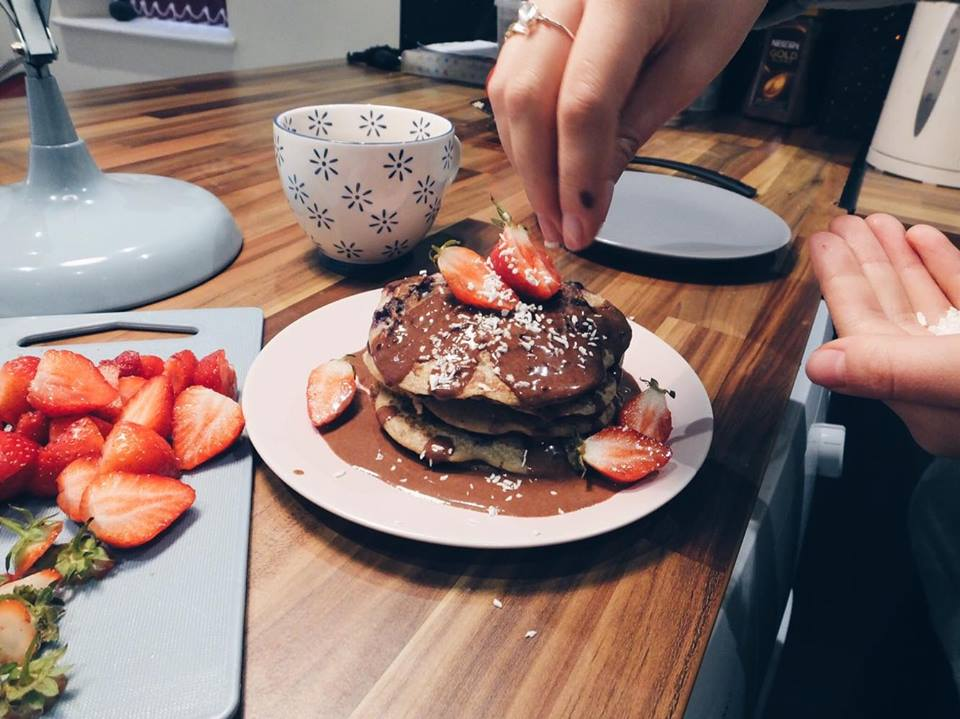 Mastering Veganism: Wintry Cinnamon and Blueberry Pancakes